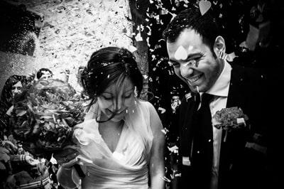 fotografo_di_matrimonio_in_toscana_sesto_fiorentino_calenzano_firenze_sposi_riso_fiori_amore