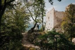 Hochzeitsfotograf_Fotosession_Brautpaar_romantisch_am Schloss