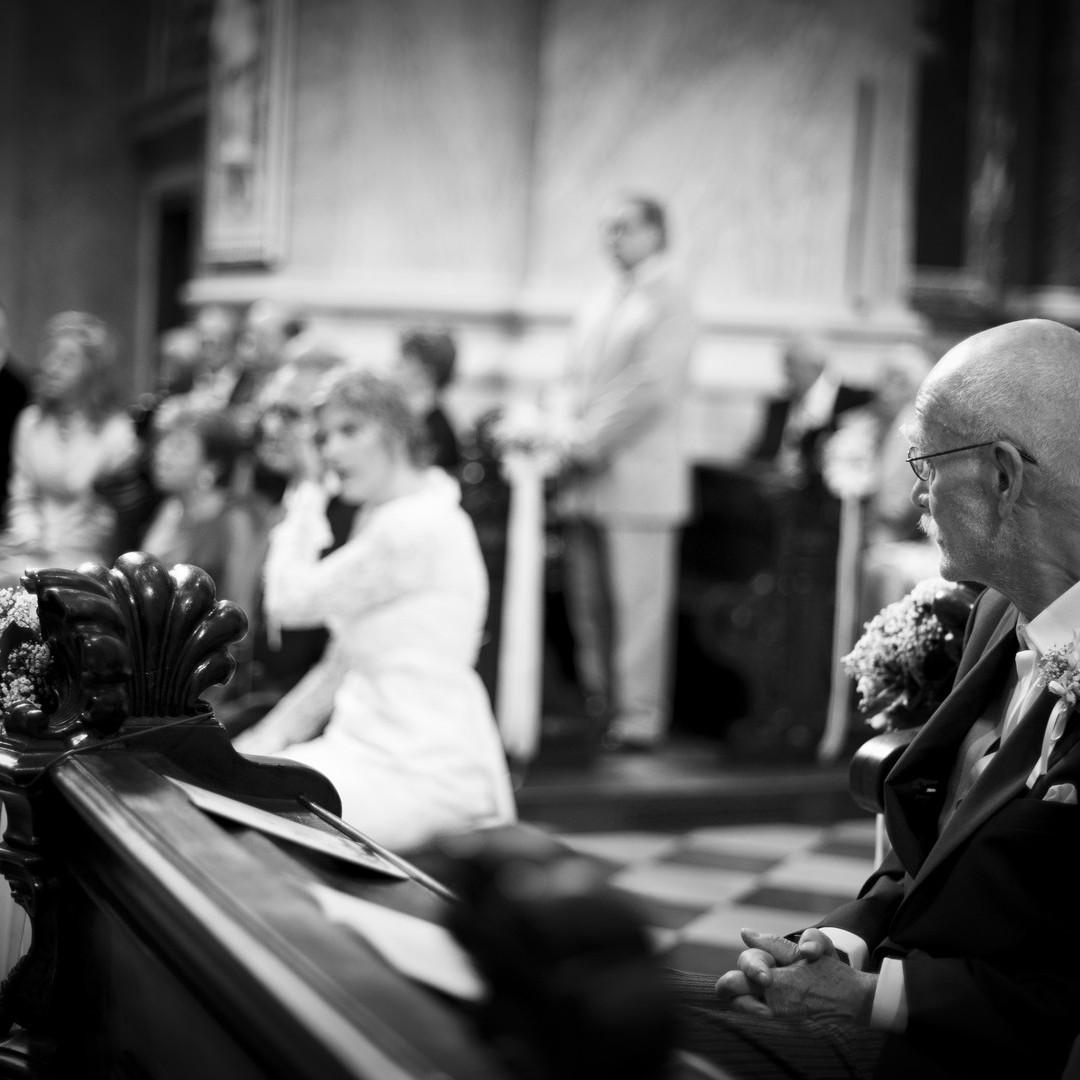 ceremonia_vienna_padre-sposa_emanuele_pagni_fotografo_matrimoni_berlino_germania_austria_svizzera_estero_roma_bw_padre_sposa_fotografia_artistica
