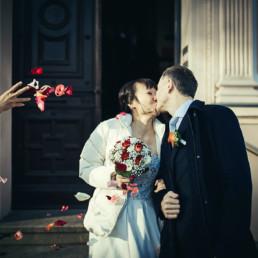 kuss_liss_rice_wedding_ceremony_berlin_england_new_york_international_wedding_day