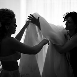 sposa_vestizione_sposa_silouette_ombra_controluce_poesia_sposa_donna