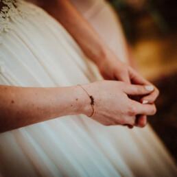 Hochzeitsfotograf_Vorbereitung_Braut_Kleid_Details