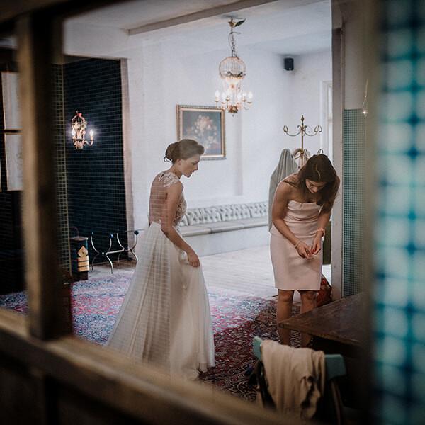 Hochzeitsfotograf_Vorbereitung_Braut_Schuhe
