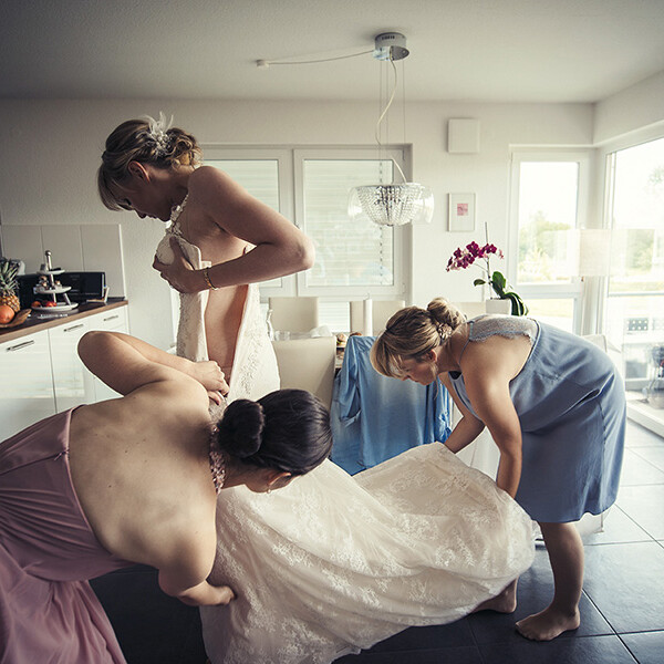vorbereitung_deutschland_braut_weddingdress_hochzeitskleidun_damen