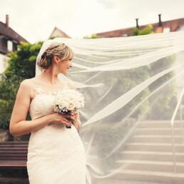 Empfang_braut_happy_gluecklich__farbe_kinder_garten_wedding_hochzeit_deutschland_berlin_liebe_blumen
