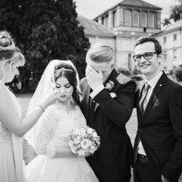 Hochzeitsfotograf_Berlin_Empfang_Brautpaar_lustig