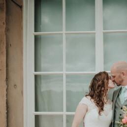 Hochzeitsfotograf_Brautpaar_Kuss