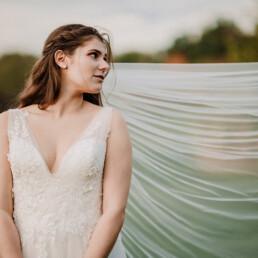 Hochzeitsfotograf_Fotosession_Braut_mit_Brautschleier