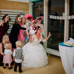Hochzeitsfotograf_Fotosession_Hochzeitsgaeste_Fotobooth