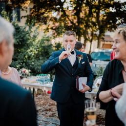 Hochzeitsfotograf_Hochzeitsempfang_Sekt_Familie
