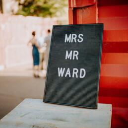 Hochzeitsfotograf_Hochzeitsfeier_Mr-Mrs