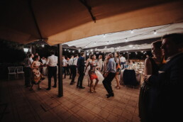 Hochzeitsfotograf_Hochzeitsfeier_Party_verrueckter_Tanz
