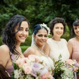 Hochzeitsfotograf_Hochzeitsgaeste_Empfang_Brautjungfern