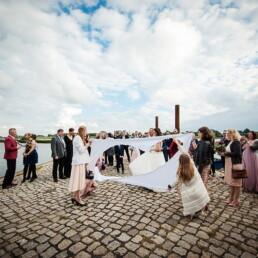 Hochzeitsfotograf_Hochzeitsgaeste_Empfang_am_See