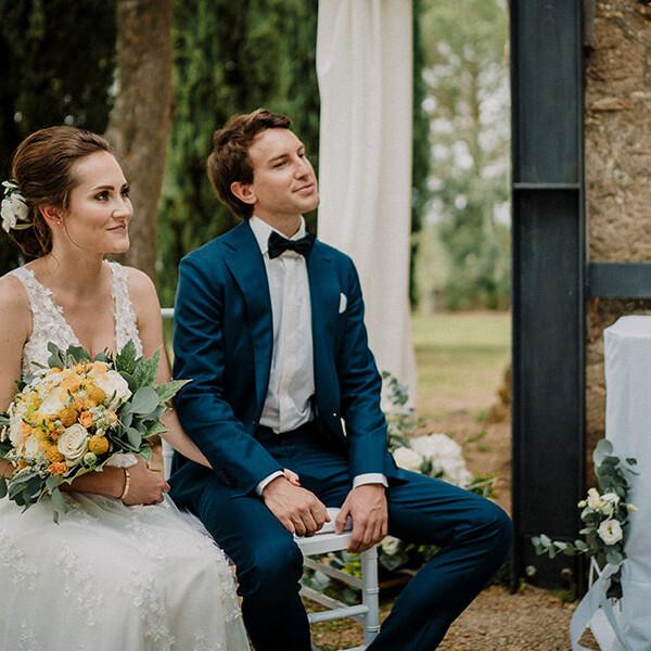 Hochzeitsfotograf_Zeremonie_Brautpaar_laechelnd