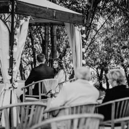 Hochzeitsfotograf_Zeremonie_im_Park_sw