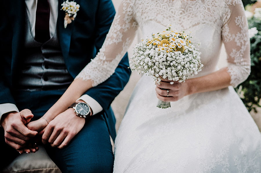 Hochzeitsfotografie_Zeremonie_Brautpaar_schoene_Details