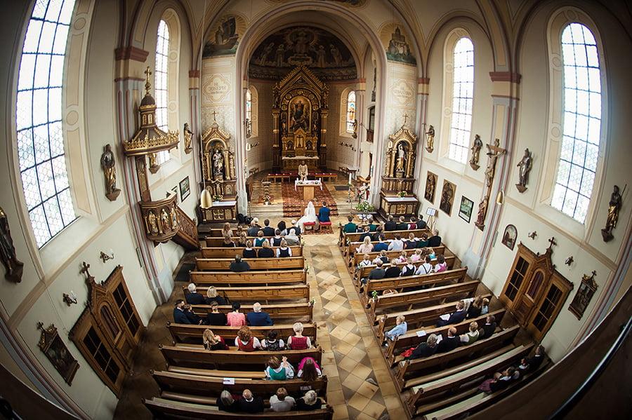 Hochzeitsfotografie_Zeremonie_Kirche_Vogelperspektive