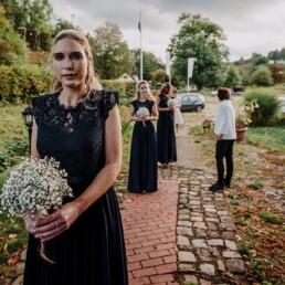Hochzeitsfotografie_vor_der_Zeremonie_Brautjungfern